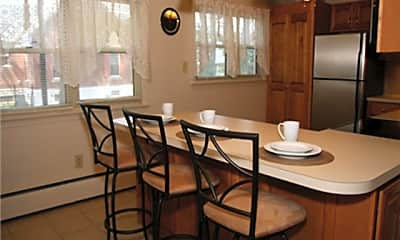 Dining Room, Riverwood Commons, LLC, 0