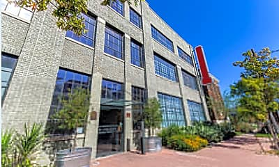 Building, 3800 Commerce St, 1