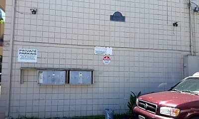 Building, 225 Ohai St, 2