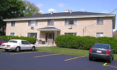 Building, 201 W Park Ave, 2