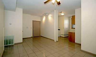 liv1.jpg, 952 W Windsor Ave Apt 3E, 0