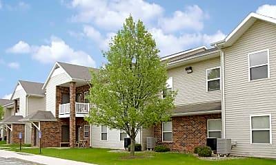 Building, Forest Oaks Apartments, 0