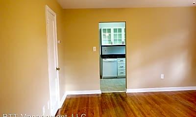 Kitchen, 8203 Garland Ave, 1