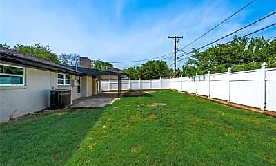 Building, 3017 Laredo Dr, 2