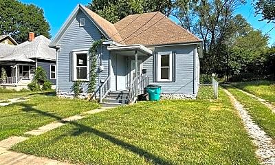 1031 W Monroe Terrace, 1