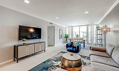 Living Room, 5353 Institute Ln 21, 1