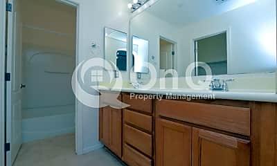 Bathroom, 4757 E Waterman St, 2