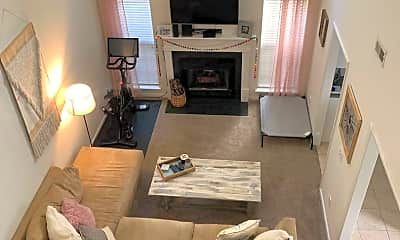 Living Room, 2018 Bluff View Dr, 1