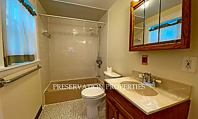 Bathroom, 40 Highland Ave, 2