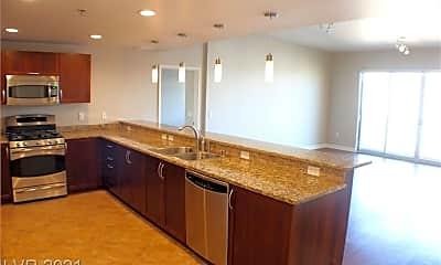 Kitchen, 150 Las Vegas Blvd N 805, 1