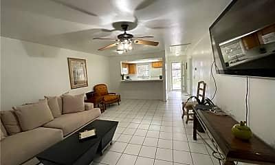 Living Room, 4926 Vincennes St 1-2, 1