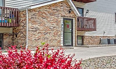 Building, Challis Court Apartments, 1