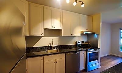 Kitchen, 904 Peninsula Ave, 1