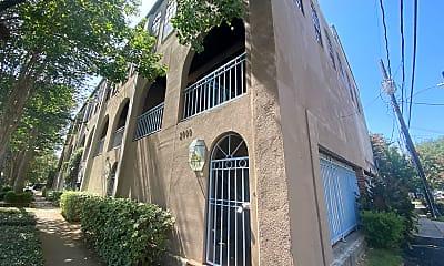 Building, 2000 Fairview St, 1