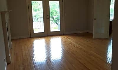 Living Room, 4425 Westlawn Dr, 1