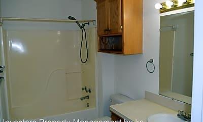 Bathroom, 4717 S 29th St, 2