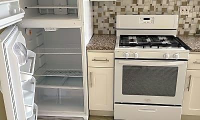 Kitchen, 131 Silver Lake Rd 401, 1