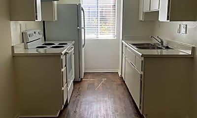 Kitchen, 524 Raymond Ave 3, 0