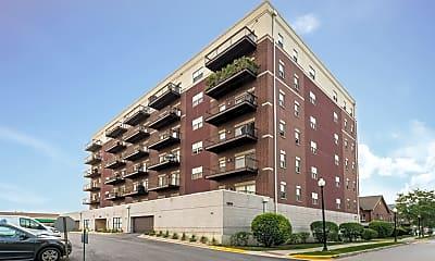 Building, 1650 Riverwoods Dr, 2