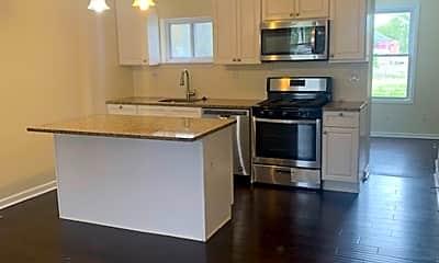 Kitchen, 3720 Spaulding Ave, 1