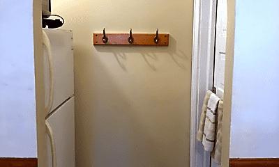 Bathroom, 32 N Vine St, 0