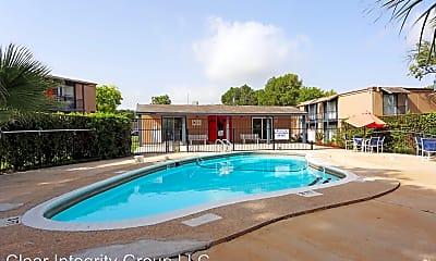 Pool, 11300 Roszell St, 2