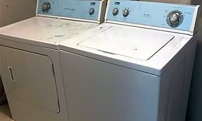Bathroom, 2621 Dewey St, 1
