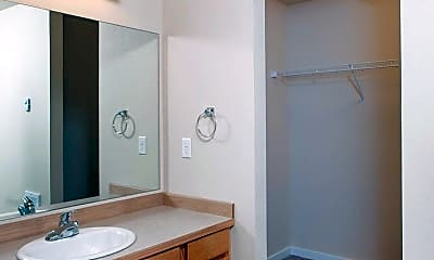 Bathroom, 2200 GREENVIEW CIR #46 & #47, 1