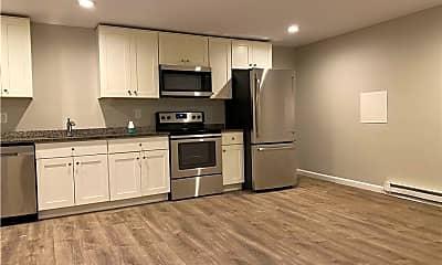 Kitchen, 661 Douglas Ave, 1