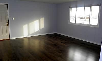 Living Room, 407 E Seminole St 7, 1