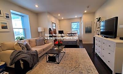 Living Room, 535 E 8th St, 1