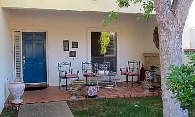 1055 Los Jardines Cir, 2