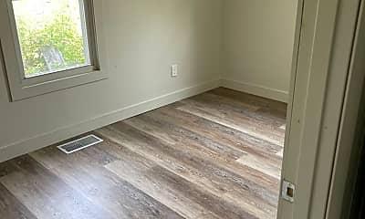 Bedroom, 415 N Stevens, 2
