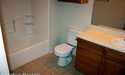 Bathroom, 5816 96th St, 2