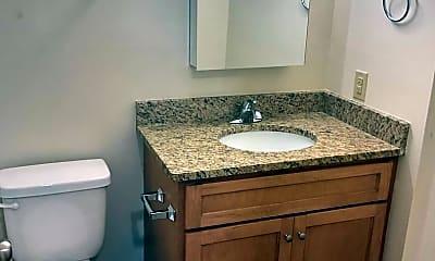 Bathroom, 937 E 9th Ave, 2