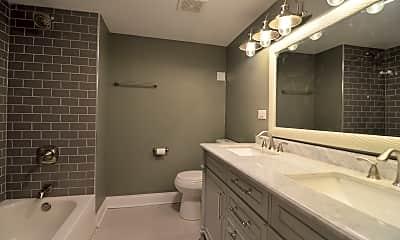 Bathroom, 5747 N Talman Ave G, 2