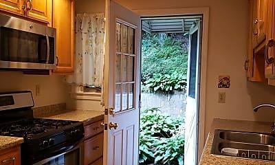 Kitchen, 624B Roosevelt Ave, 1