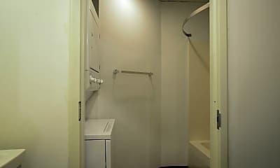 Bathroom, 201 Hull St, 2