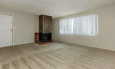 Living Room, 2110 E La Salle St, 1