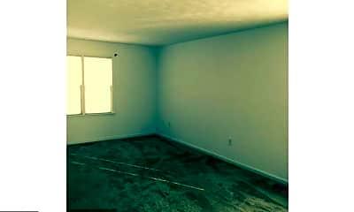 Living Room, 308 4th St, 1