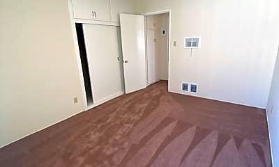 Bedroom, 928 W Glenoaks Blvd, 2