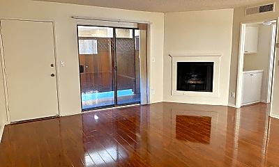 Living Room, 14942 Burbank Blvd, 0