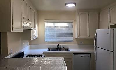Kitchen, 4670 Kensington Dr, 0