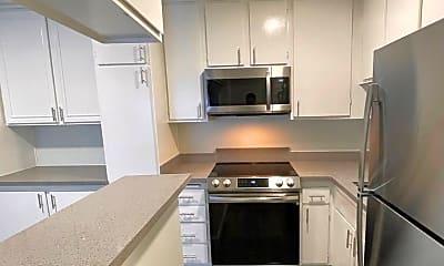 Kitchen, 5340 Franklin Ave, 1