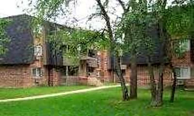 Building, Willow Lake Apartments, 0