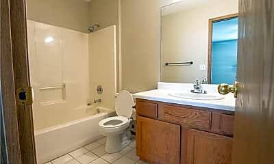 Bathroom, 3105 NE 12th St, 2
