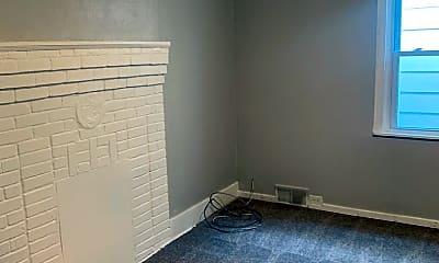 Bedroom, 471 Norton St, 2