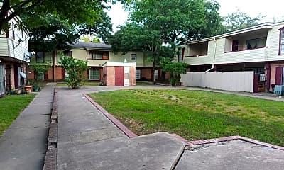 Villa Paree, 0