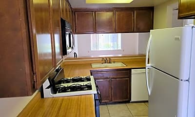 Kitchen, 610 S Santa Fe St, 1