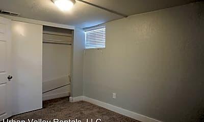 Bedroom, 159 Goltz Ave S, 2